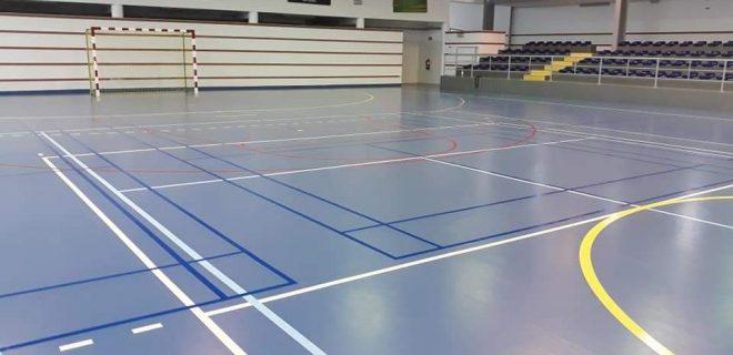 Pavilhão de Desportos com campo de badminton