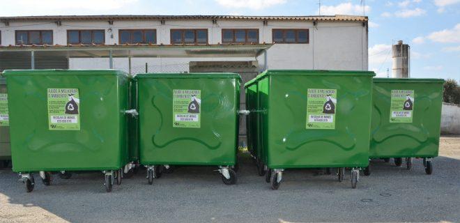 Município reforça o número de contentores de resíduos sólidos