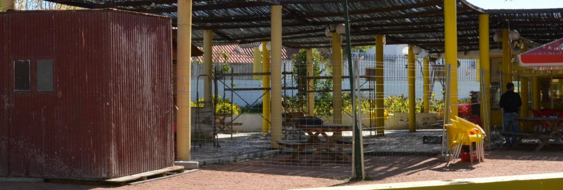 (Português) Jardim Público – Instalação de nova cobertura e requalificação de instalações sanitárias