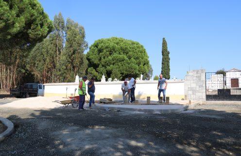 Remodelação do espaço exterior do cemitério de Canhestros